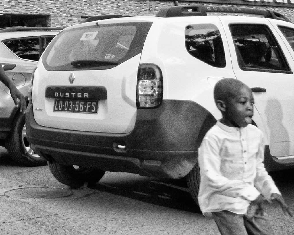 Duster Boy, Luanda, Angola. 2014